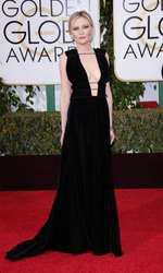 Kirsten Dunst - Rochie Valentino (Globurile de Aur)