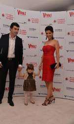 Simona Patruleasa, impreuna cu sotul si fetita lor, Ingrid