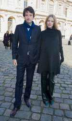 "Antoine Arnault et Natalia Vodianova (enceinte) - No Web No Blog - No Tabloids - People au défilé de mode, collection prêt-à-porter automne-hiver 2014/2015, ""Louis Vuitton"" à Paris le 5 mars 2014 . (no web - online pour suisse et Belgique) - People at Louis Vuitton fashion show F/W ready-to-wear 2014/2015 in Paris, France on march 5th 2014."
