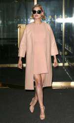 Rosamund Pike – Ţinută Louis Vuitton &Marni la The Today Show