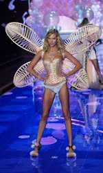 Karlie Kloss walks the runway at the 2014 Victoria