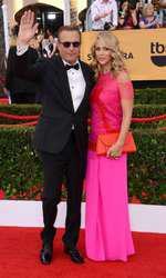 Kevin Costner si Christine Baumgartner