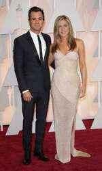 Mandatory Credit: Photo by Jim Smeal/BEImages (2661278eh) Justin Theroux and Jennifer Anniston 87th Academy Awards, Oscars, Arrivals, Los Angeles, America - 22 Feb 2015
