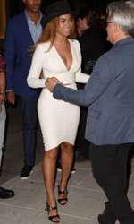 Beyonce la deschiderea magazinului Giuseppe Zanotti din Beverly Hills