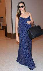 Miranda Kerr pe aeroportul din LA