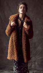 Rochie Marks&Spencer, 379 lei; palton H&M, 399 lei