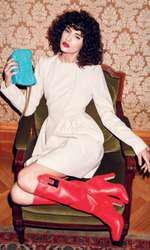 Rochie Chloe, The Place Concept Store, 2.837 lei, geantă Moschino, 1.410 lei, cizme Elisabetta Franchi, magazinul Icon, preț în magazin.