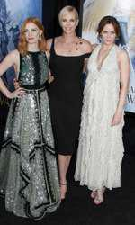 Jessica Chastain, Charlize Theron si Emily Blunt