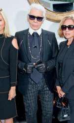 Prințesa Maria Olympia alături de Karl Lagerfeld, de mama și de bunica ei la show-ul Chanel din cadrul Paris Haute Couture toamnă-iarnă 2014-2015