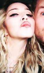 Madonna si James Corden