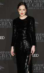 "Dakota Johnson, premiera europeană ""50 Shades Darker"""