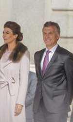 Regele Felipe al Spaniei, Regina Letizia, Mauricio Macri, presedintele Argentinei si Juliana Aweda, sotia lui
