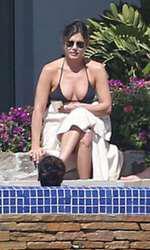 Jennifer Aniston  Justin Theroux Courtney Cox