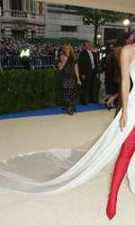 Lily Aldridge, într-un outfit Ralph Lauren extrem de sexy.