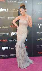 Ilinca Vandici 2014 (rochie Pronovias, bijuterii Pandora, clutch Chanel, sandale Christian Louboutin)