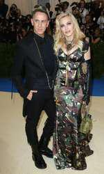 Jeremy Scott si Madonna