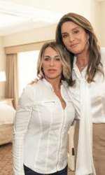 Nadia Comăneci și Caitlin Jenner în 2016, la aniversarea a 40 de ani de la Jocurile Olimpice de la Montreal