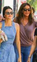 Caitlyn Jenner împreună cu Kendall Jennes și Kylie Jenner