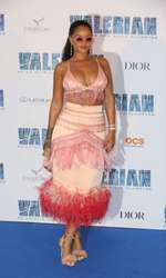 """Rihanna la premiera europeană a filmului """"Valerian"""" de la Paris"""