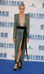"""Cara Delevingne la premiera europeană a filmului """"Valerian"""" de la Paris"""