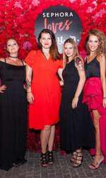 Cristina Vasilescu si Carmen Ene (Sephora), alaturi de Magda Iancu si Alexandra Vlad (Wunderman)