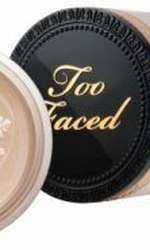 Pudră liberă, Born This Way, Too Faced, 144 lei (Sephora)