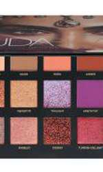 Paletă de farduri, Huda Beauty, Desert Dusk, 260 lei, disponibilă Sephora