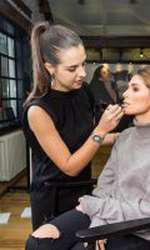 Sânziana Negru s-a lăsat pe mâinile make-up artistului Manuela Horn