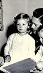 Regele Mihai, Regina Ana și fiicele Margareta, Principesă a României, și Elena, Principesă a României, anul 1954