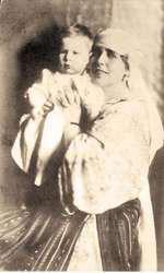 Regele Mihai și Regina Maria, bunica paternă