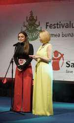 Alexia Eram şi Andreea Esca