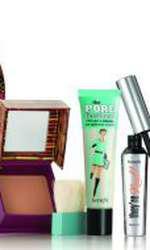 Set, pudra bronzantă, mascara, primer ce reduce porii, gel pentru sprâncene, Benefit, Head Over Hills, 229 lei, disponibil Sephora