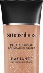 Bază de machiaj, Smashbox, Photo Finish Radiance, 130 lei, disponibilă Douglas