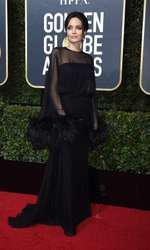 Angelina Jolie - rochie Versace