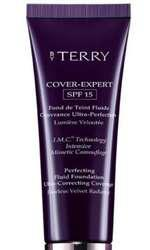 Fond de ten, By Terry, Cover Expert, 229 lei, disponibil Douglas