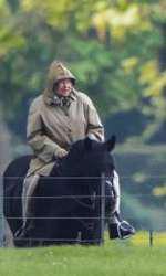 Regina Elisabeta a apărut rare ori în pantaloni
