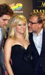 Robert Pattinson, Reese Witherspoon si Christoph Waltz