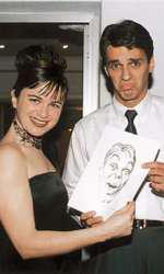 Kate Roberts și Mircea Badea, uimit de caricatura sa