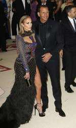 La aproape 50 de ani, Jennifer Lopez arată fabulos!