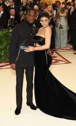 Kylie Jenner și Travis Scott