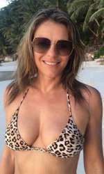 Elizabeth Hurley, 52 de ani