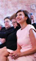 Carmen Iohannis are un nou look.
