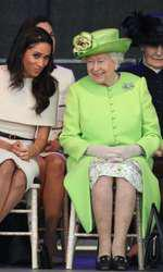 Nu știm ce își spun Meghan și Elisabeta a II-a, dar se vede cu ochiul liber că Regina o place pe noua ei nepoată.