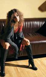 În 2006, pentru o ședință foto VIVA!, Dana a avut un look electrizant