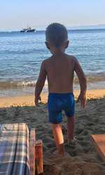 Adela Popescu a plecat în Grecia alaturi de Radu Valcan si baietelul lor