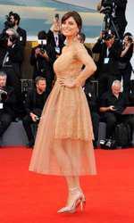 Catrinel Menghia a purtat o creație Ermanno Scervino pe covorul roșu la Festivalul de Film de la Veneția