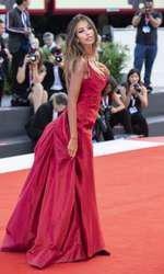 Mădălina Ghenea, prezentă la Festivalul de la Veneția