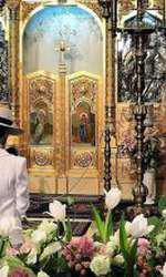 Adelina Pestritu -moment de rugaciune, in timpul botezului fiicei ei, Zenaida Maria