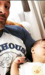 Dwayne și mezina familiei, acum în vârstă de 7 luni.