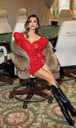 Lili Sandu, pictorial sexy înainte de sărbători